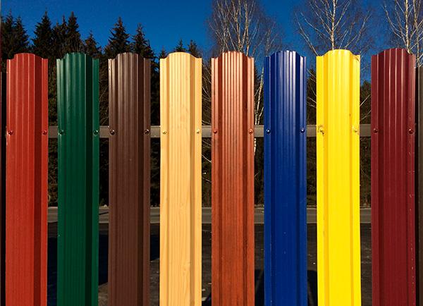 Штакетник металлический цвета